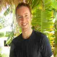 free podcast interview with Simon Knapp www.joinupdots.com